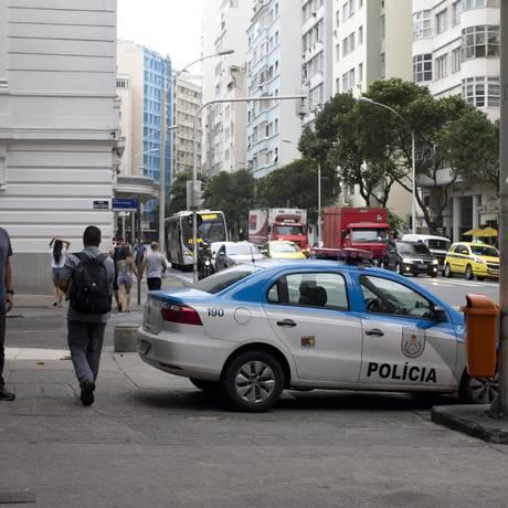 Número de agentes fazendo a segurança no bairro será 13,7% menor Foto: Márcia Foletto / Agência O Globo