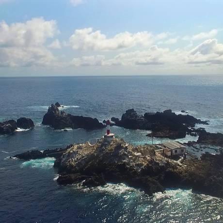 O arquipélago de São Pedro e São Paulo, a quase mil quilômetros da costa brasileira, visto de um drone Foto: Alexandre Nunes