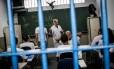 Detentos do CDP 3 de Pinheiros tem a oportunidade se se formar no segundo grau com aulas do PET (Programa de Educação para o Trabalho)