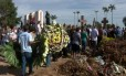 Vítimas da chacina em Campinas são enterradas