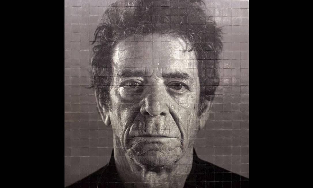 Chuck Close também é o autor desse retrato do cantor e compositor Lou Reed, na estação da 86th Street. Foto: MTA/Office of New York Gov. Cuomo / AP