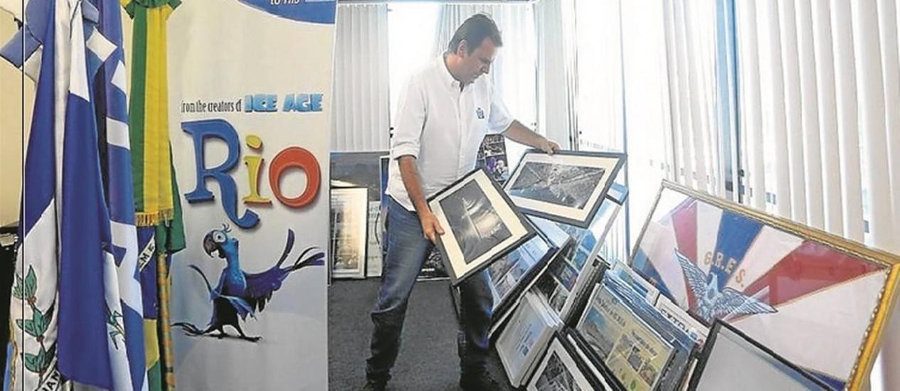 Mudança. Antes da despedida, Paes arrumou gavetas e guardou objetos pessoais Foto: Custódio Coimbra