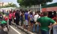 Movimentação em frente ao Instituto Médico Legal de Manaus