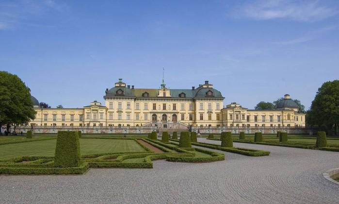 Rainha sueca conta que vive num palácio assombrado