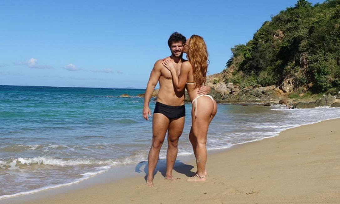 Quem também tem feito a temperatura subir é Sabrina Sato e Duda Nagle, de férias em Porto Rico. Os dois têm deixado os fãs boquiabertos com seus corpos e paisagens Instagram