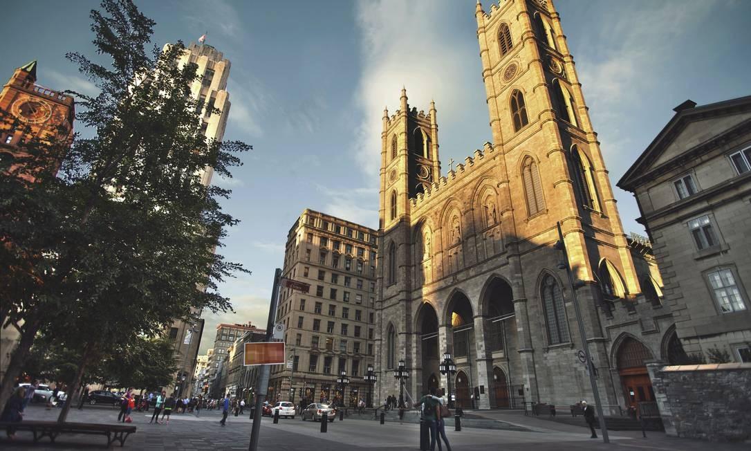 A Catedral de Notre Dame, na Place d'Armes, é um dos marcos da herança católica dos franceses que colonizaram Montreal Foto: Divulgação