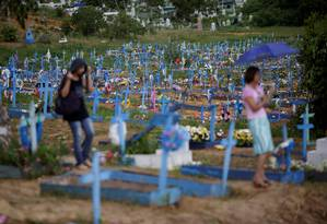 Vista geral do cemitério de Tarumã, em Manaus, onde serão enterrados os 60 presos mortos nas rebeliões do início do ano em dois presídios da capital amazonense Foto: UESLEI MARCELINO/REUTERS