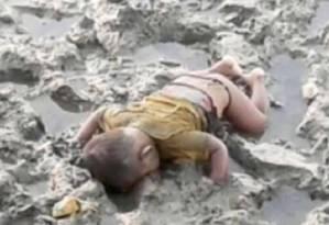 Criança de apenas 16 meses morreu após naufrágio em tentativa de chegar a Bangladesh Foto: Reprodução