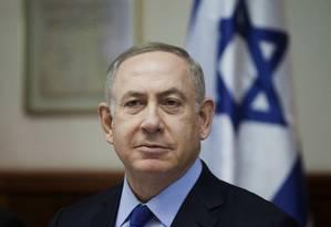 Netanyahu acompanha reunião de seu Gabinete durante o Natal Foto: Dan Balilty / AP