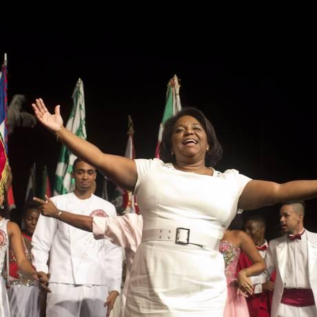 Novo ritmo. No palco do Teatro Carlos Gomes, Nilcemar Nogueira prometeu resolver passivos da prefeitura, dialogar com o setor e promover união entre diferenças Foto: Márcia Foletto