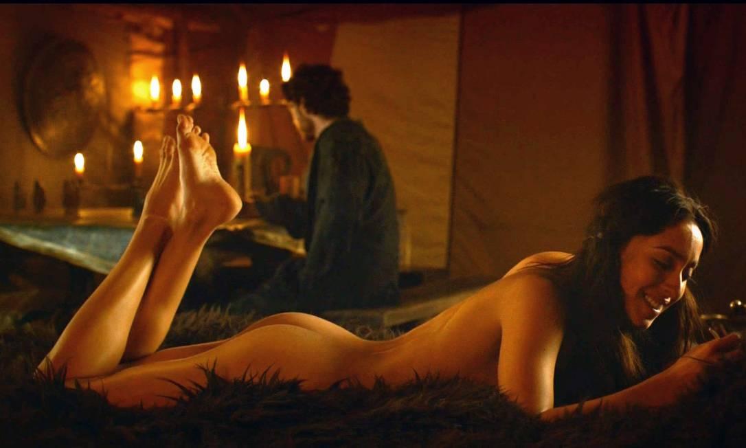 No seriado, ela já havia protagonizado uma cena sensual Reprodução
