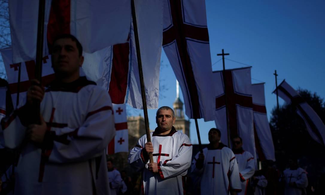 Na Geórgia, uma procissão toma as ruas de Tblisi para celebrar o Natal DAVID MDZINARISHVILI / REUTERS