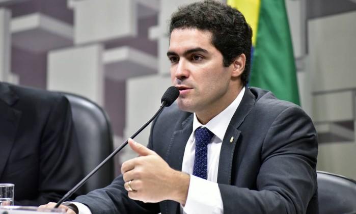 Secretário de Temer pede demissão após defender massacre em presídios