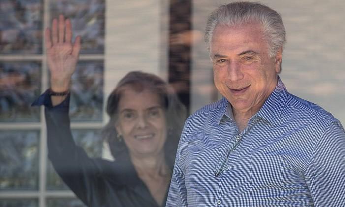 O presidente Michel Temer se reúne com a presidente do Supremo Tribunal Federal, ministra Cármen Lúcia, na residência da ministra, em Brasília Foto: Jorge William / Agência O Globo