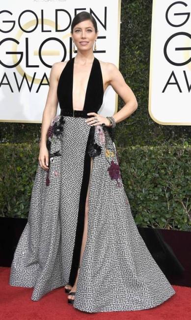 A atriz Jessica Biel mergulhou fundo no decote reto Frazer Harrison / AFP