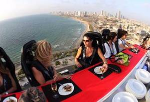 Jantar a 45 metros de altura Foto: Divulgação