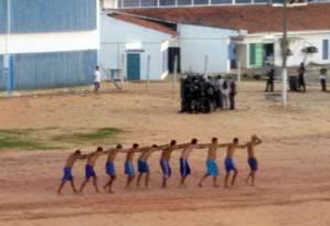 Presos são dominados após rebelição na penitenciária de Alcaçuz, na Grande Natal, em março de 2015 Foto: Divulgação/ Sejuc
