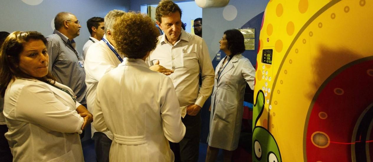 O prefeito Marcelo Crivella visita o Hospital Municipal Jesus em Vila Isabel Foto: Fernando Lemos / O Globo