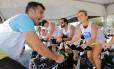 Suor. Spinning é um tipo de exercício físico considerado intenso, ajudando, portanto, a melhorar taxas de glicose e de colesterol, por exemplo