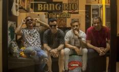 Amigos se uniram para abrir a Bang Rio Tattoo, no Leblon Foto: Analice Paron / Agência O Globo
