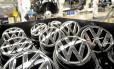 Após Volks admitir trapacear em testes de emissões nos EUA, temores sobre a poluição causada por automóveis colocaram toda a indústria em evidência Foto: Reuters