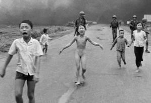 A histórica imagem de Phan Thi, em 8 de junho de 1972, circulou pelo mundo Foto: AP