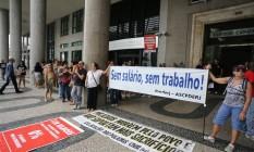 O protesto de servidores do estado Foto: Marcia Foletto / O Globo