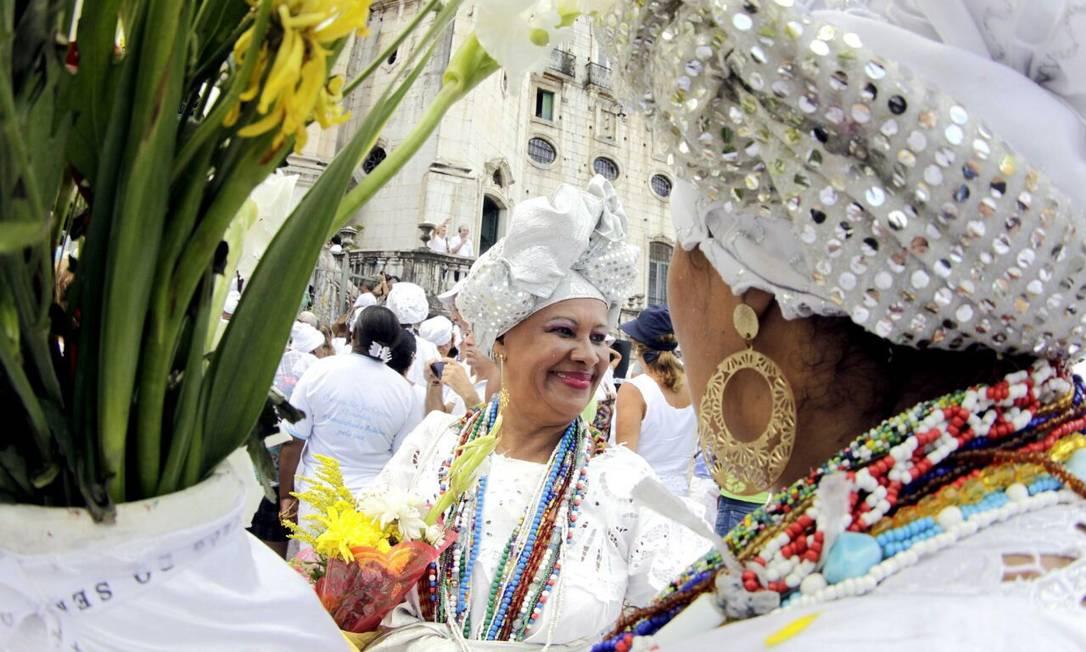 O cortejo segue pelas ruas da cidade em direção à Basílica do Senhor do Bonfim Amanda Oliveira / GOVBA