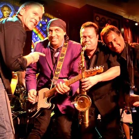 A banda B Street Band Foto: Divulgação