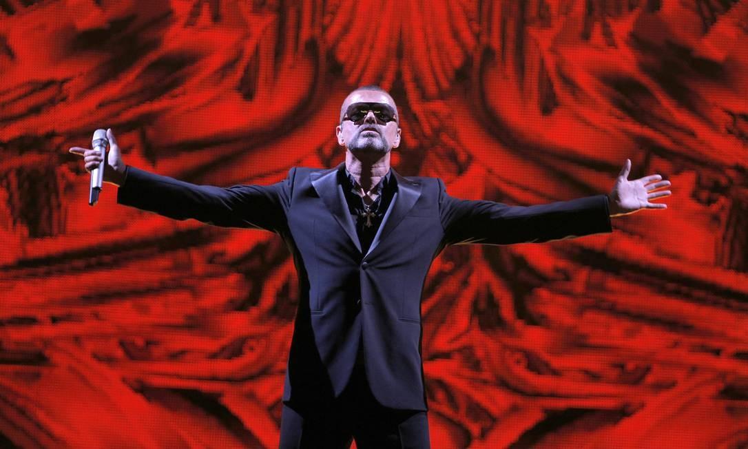 O cantor George Michael em show de 2012. Ele foi alçado à fama no início dos anos 1980 como membro da dupla Wham! e mais tarde teve uma carreira solo de sucesso Foto: Francois Mori / AP
