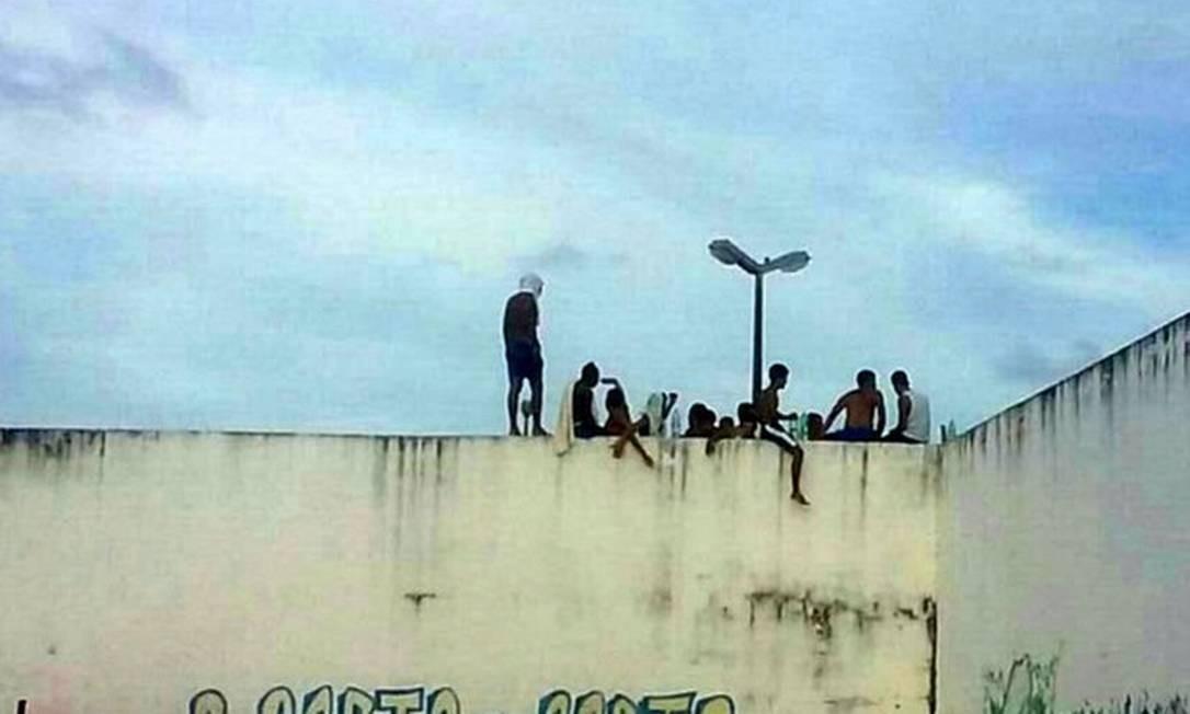 Detentos rebelados na Penitenciária Estadual de Alcaçuz, no Rio Grande do Norte, em 2017 Foto: Divulgação/PM-RN
