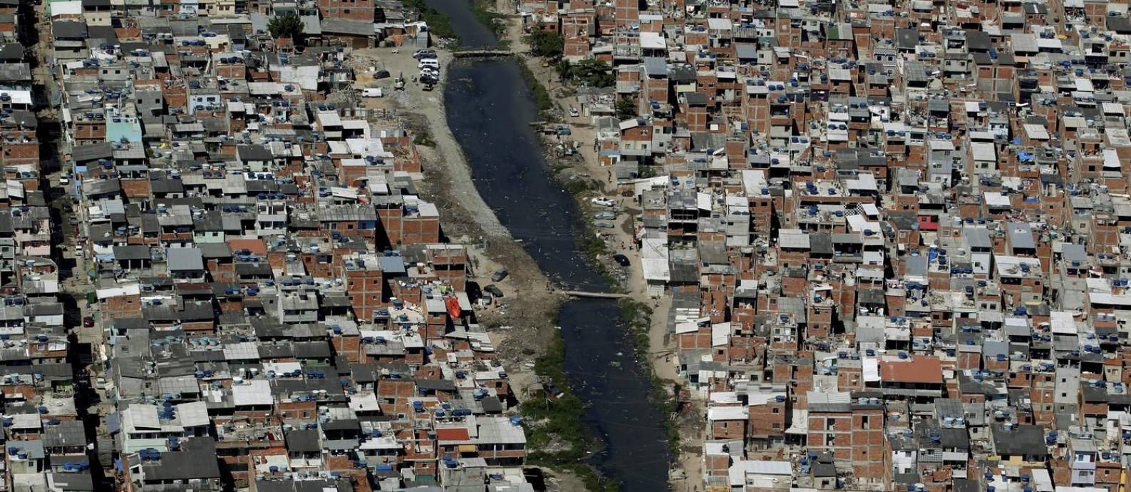 Desigualdade no Rio de Janeiro: Favela de Rio das Pedras Foto: / Custódio Coimbra