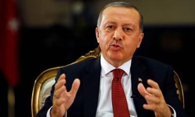 Se reforma constitucional for aprovada, presidente turco, Recep Tayyip Erdogan, pode ficar no poder até 2029 Foto: Reuters