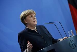 Angela Merkel dá entrevista coletiva na chancelaria, em Berlim Foto: FABRIZIO BENSCH / REUTERS