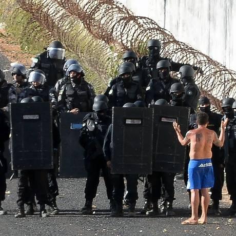 PM negocia retomada de controle de presídio no Rio Grande do Norte Foto: Andressa Anholete / AFP
