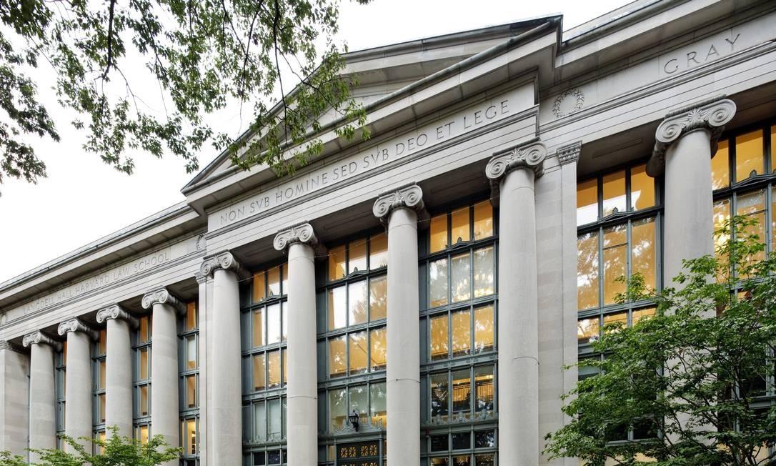 O presidente é formado em Direito pela prestigiada Universidade de Harvard (foto), que fica em Cambridge, no estado de Massachusetts. Foto: Bob O'Connor / Divulgação/Harvard Law School