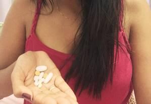 Suellen Maia, que tem lúpus e não consegue acesso gratuito a remédios há um ano, criou abaixo-assinado que já conta com mais de 73 mil assinaturas, em uma semana Foto: Arquivo pessoalS
