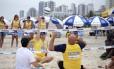 Praia para Todos também tem esportes adaptados, como o vôlei sentado