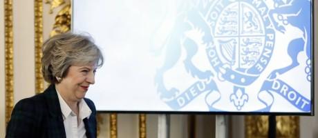 May apresenta plano de ruptura com a UE Foto: KIRSTY WIGGLESWORTH / AFP