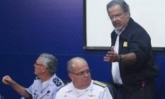 O ministro da Defesa, Raul Jungmann, explica como Forças Armadas vão atuar nos presídios Foto: Givaldo Barbosa / Agência O Globo