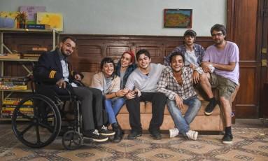 O diretor Andrucha Waddington (à direita) com youtubers Foto: Divulgação/Daniel Chiacos/Páprica Fotografia