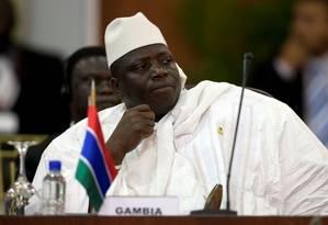O presidente de Gâmbia, Al Hadji Yahya Jammeh, tem se recusado a deixar o posto Foto: Carlos Garcia Rawlins/REUTERS