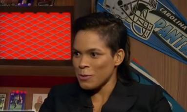 Amanda Nunes em entrevista à Fox Foto: Reprodução
