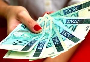 Valor de produto para pagamento em dinheiro pode ser mais baixo Foto: O Globo