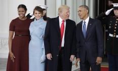 Michelle, Melania, Donald e Obama posam na Casa Branca Foto: Evan Vucci / AP