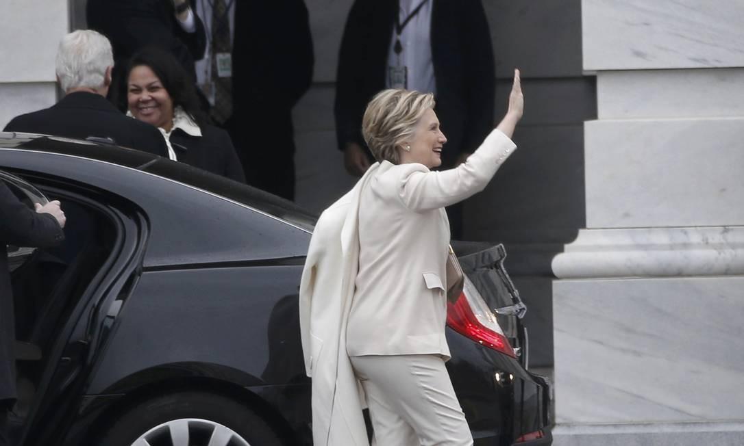 Hillary Clinton, candidata democrata à presidência e que derrotada por Donald Trump, chega ao Capitólio para a cerimônia de posse de seu antigo adversário. Foto: MIKE SEGAR / REUTERS