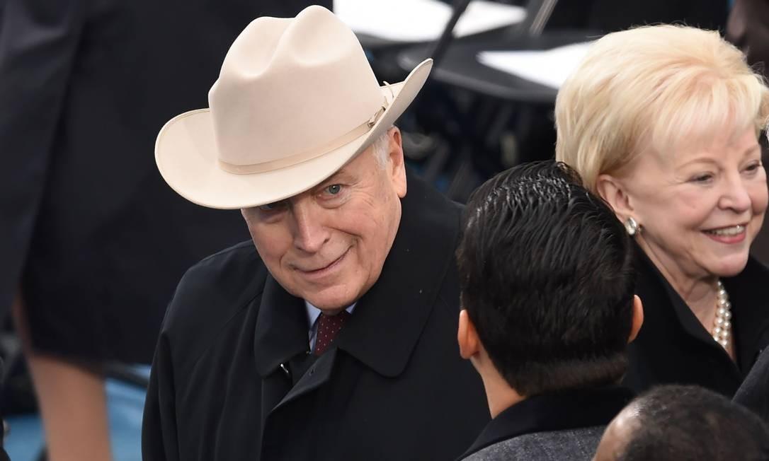 Dick Cheney, vice-presidente dos EUA na administração de George W. Bush, apareceu com chapéu de cowboy na cerimônia de posse de Trump Foto: TIMOTHY A. CLARY / AFP