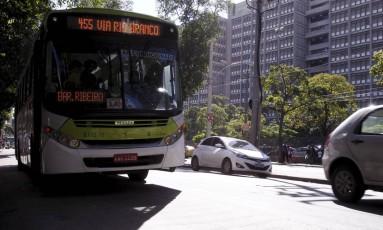 Alunos reclamam da suspensão do Bilhete Único Universitário fora do ano letivo Foto: Thiago Freitas / Agência O Globo
