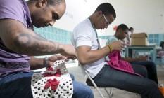 Os próprios detentos são responsáveis pela segurança do presídio Foto: Michel Filho / Agência O Globo