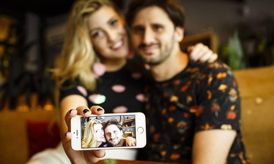 Rafaella e Felipe se esbarraram 11 vezes antes de marcar um jantar Foto: Fernando Lemos / Agência O Globo